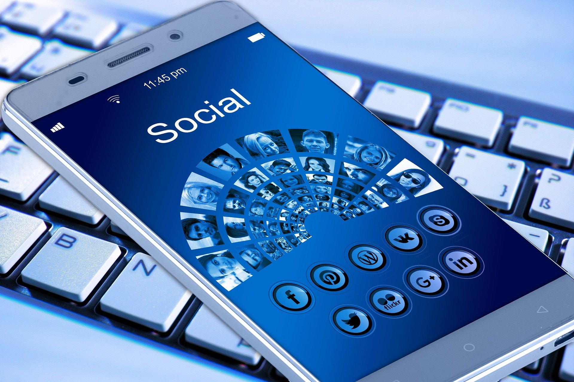 Webseiten und Social Media